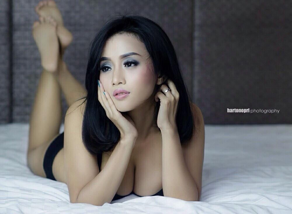 Nude dj indonesia #2