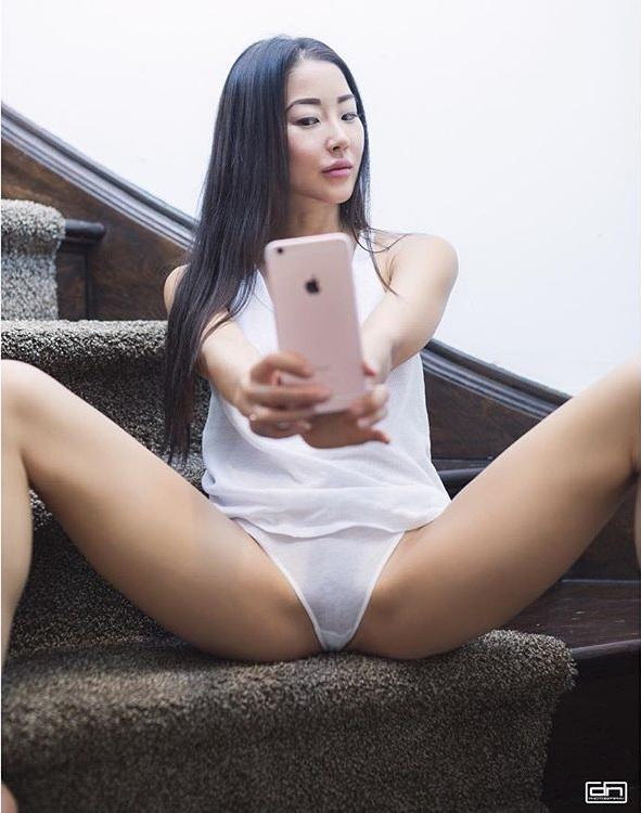 Sex Video Blogger 52