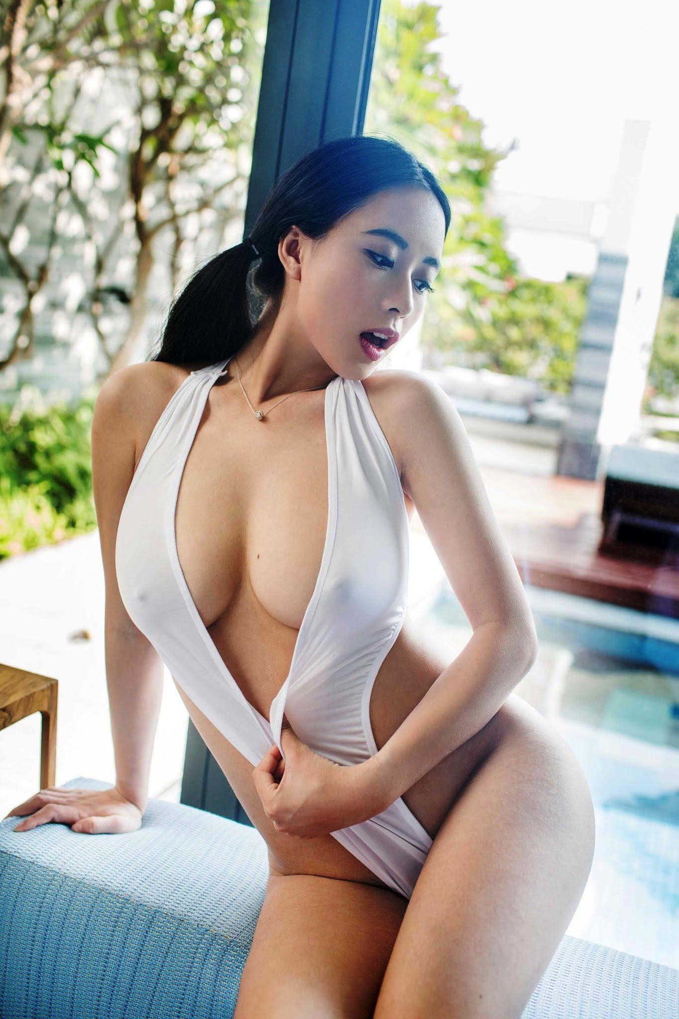 Hot long leg woman nude