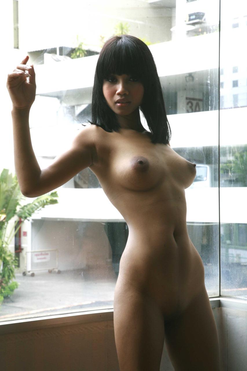 thai girl nude photos